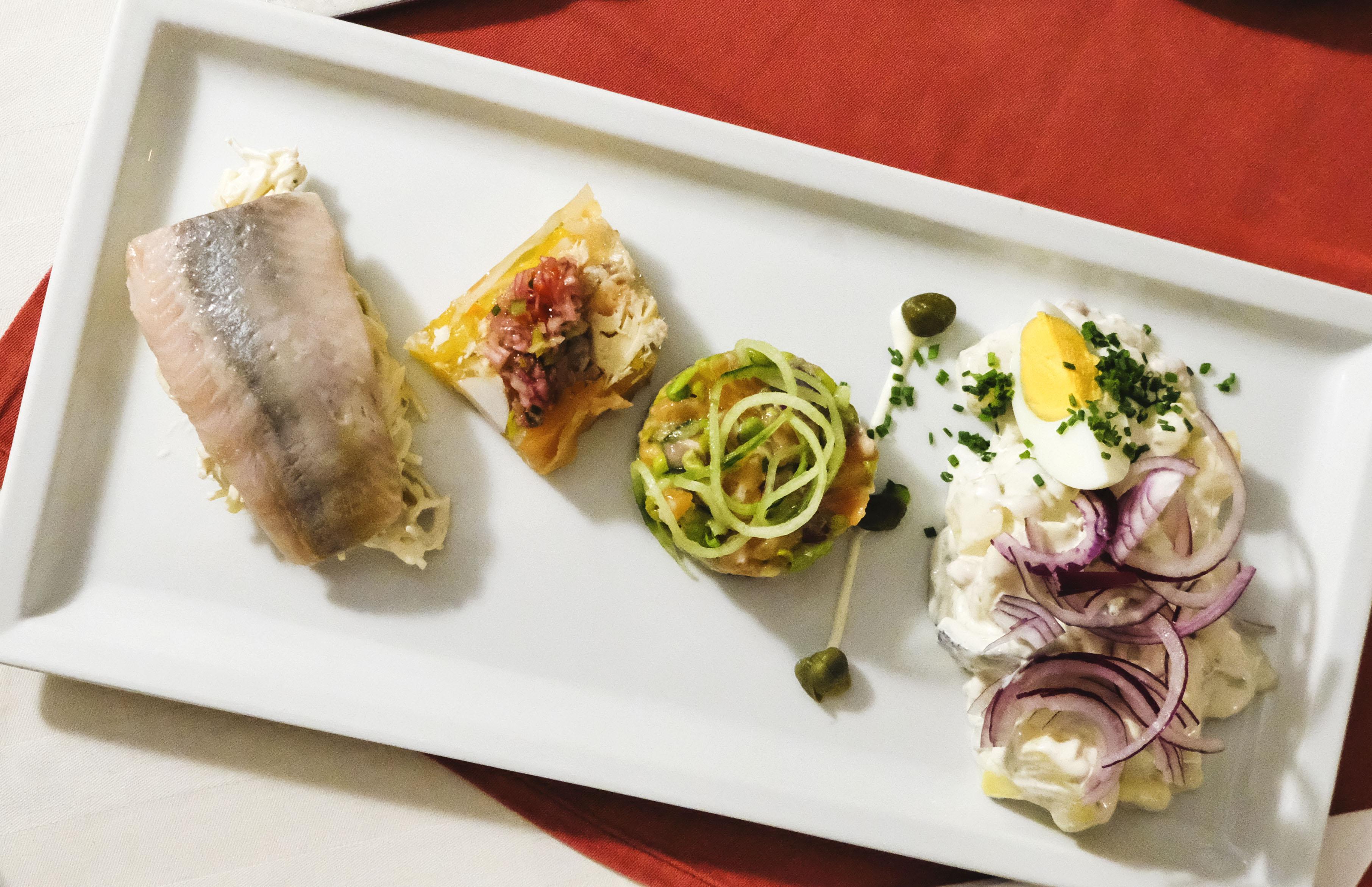 Gemischter Teller, Hering, Matjesfilet, Lachstartar, Fischsulz, , Sofienwirt, Wien